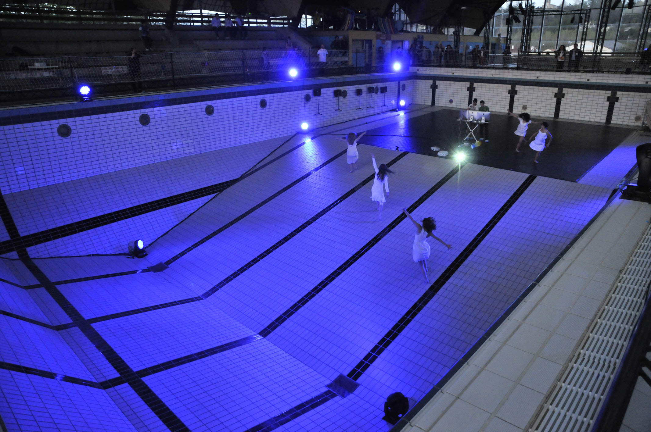 Nuit de la creation cnr de bdx piscine galin bordeaux - Piscine olympique bordeaux ...